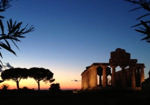 Paestum al tramonto